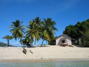 Un pirogue sur une plage à Madagascar