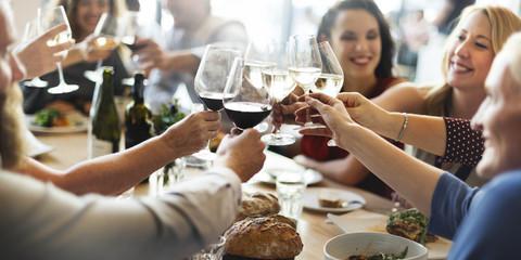 Profitez de la nourriture avec vos amis et votre famille