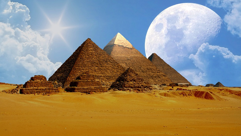 Les pyramides de Gyzeh, Egypte